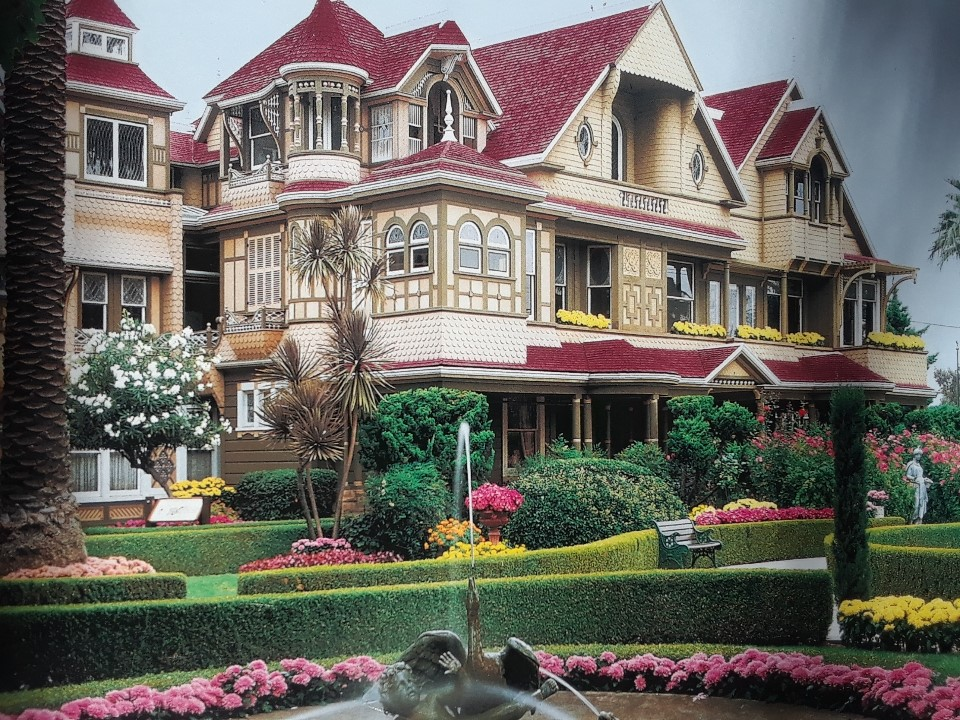 winchester house (2)