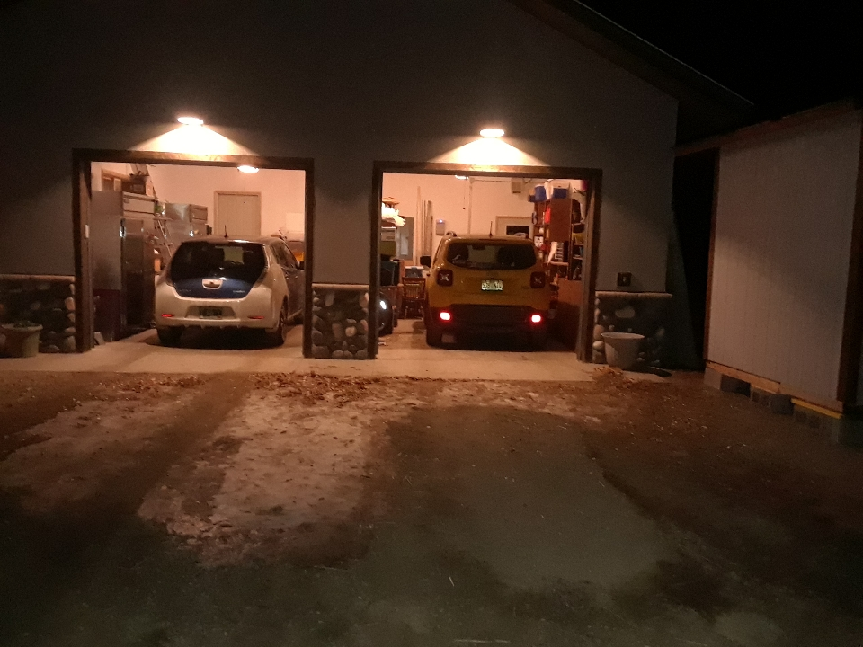 two-car garage 1119